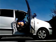 K&ograve_calos - Flashing my ass detach from the car in a public parking