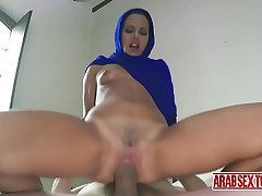 Arab maid paid to fuck her queen